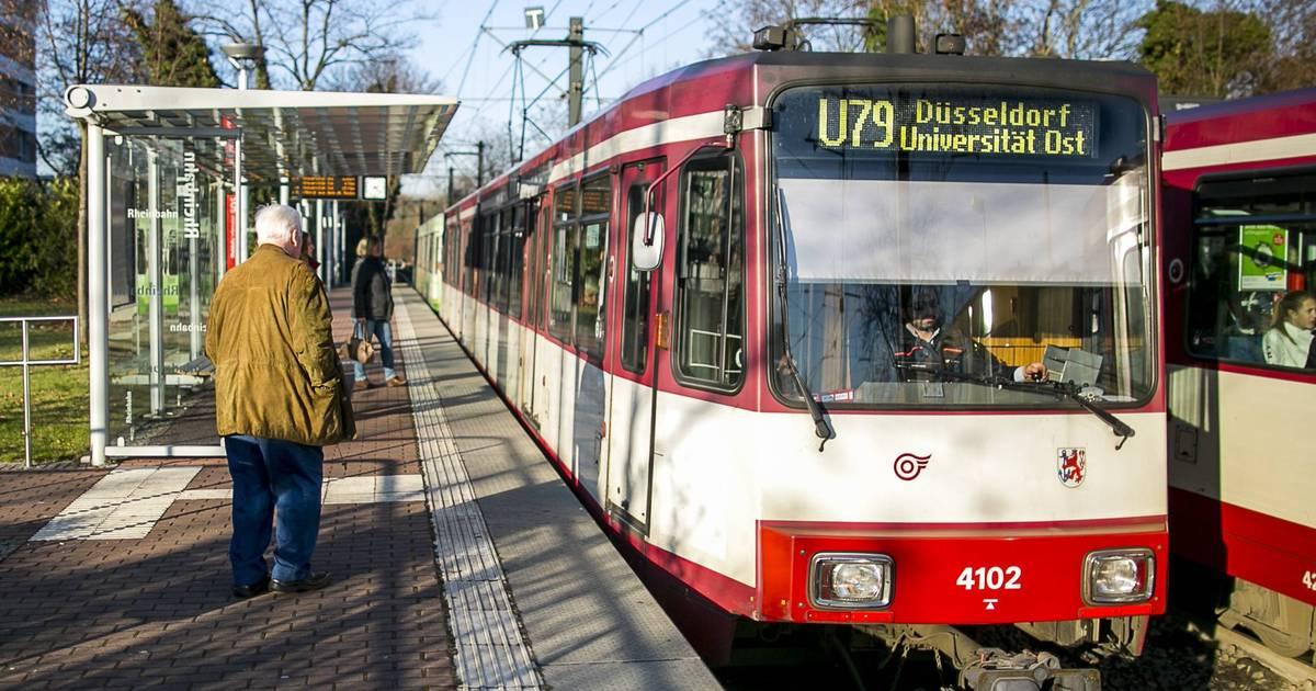 Straßenbahn U79 biegt am Hauptbahnhof Düsseldorf falsch ab