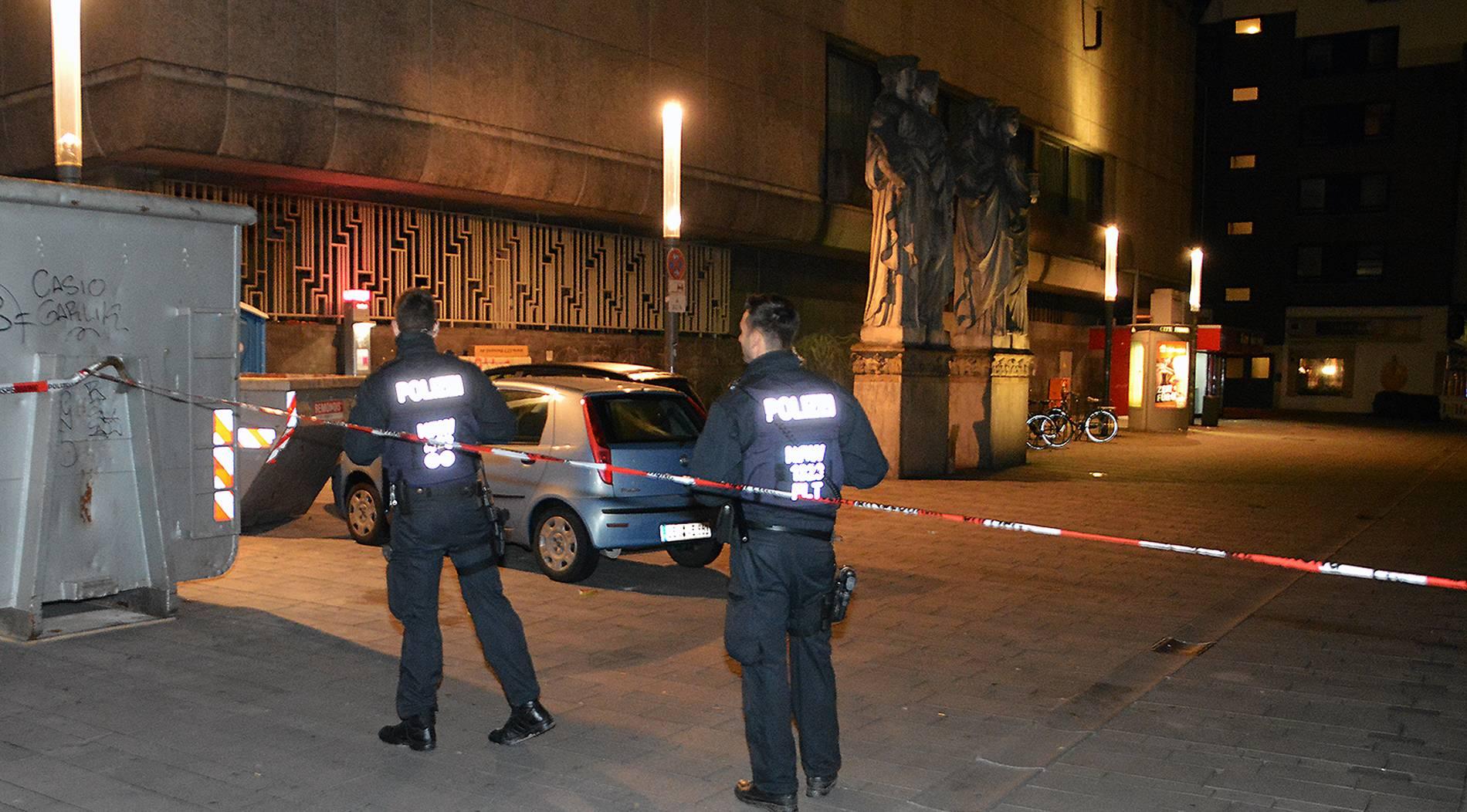 Ein Schwerverletzter nach Messerstecherei in Düsseldorfer Altstadt