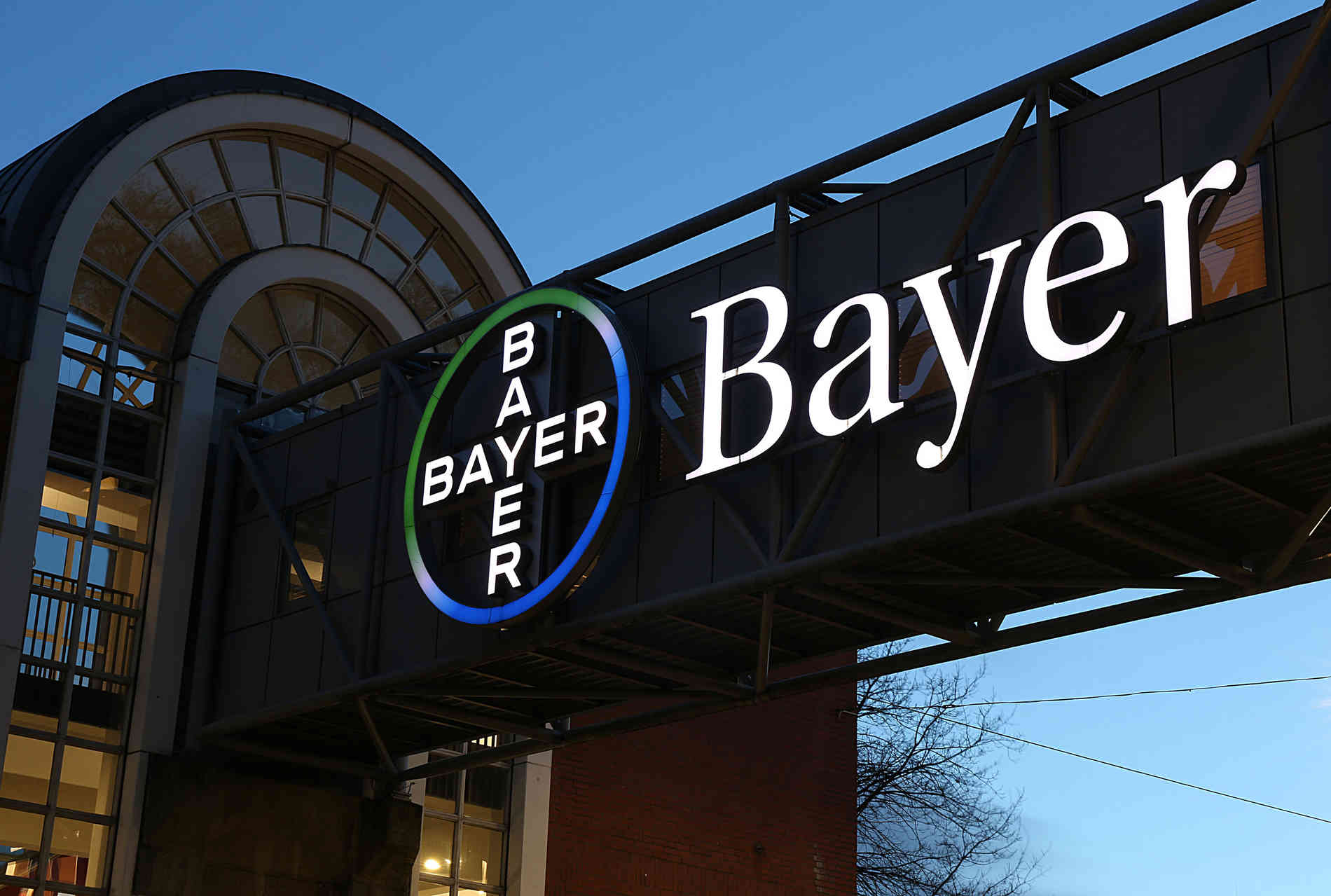 Kosten der Monsanto-Übernahme: Gewinn von Bayer bricht ein