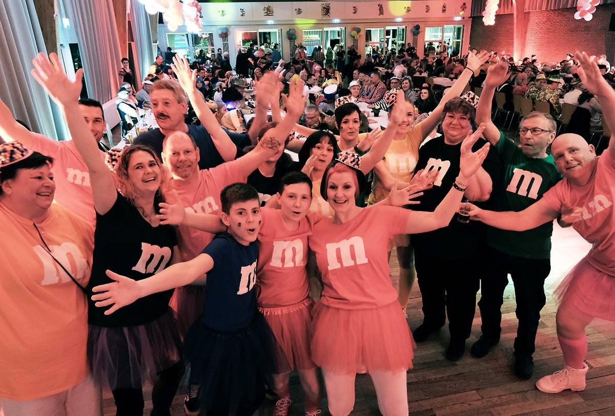 Kalkstadt-Narren feiern rauschende Prunksitzung