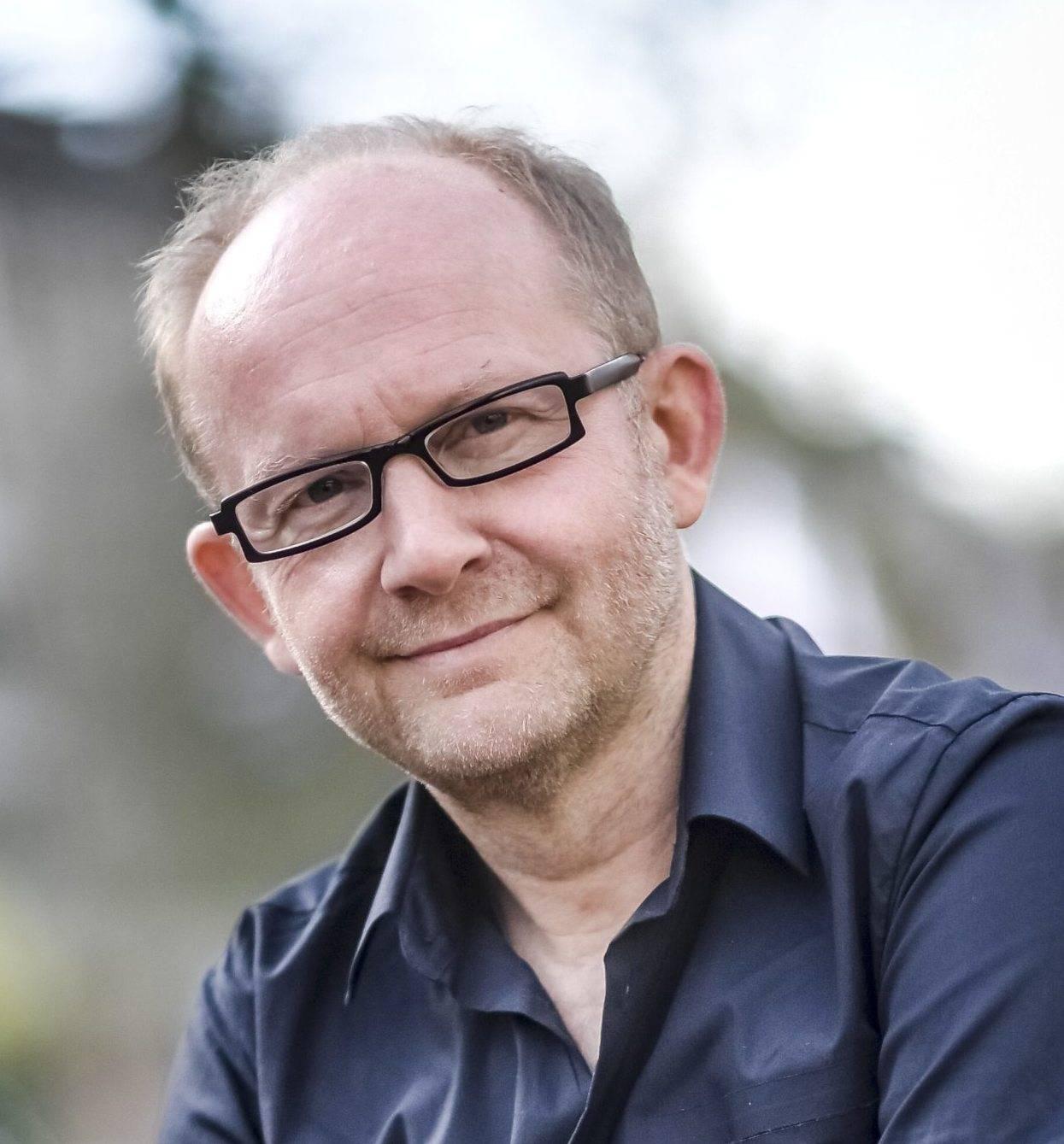 Dieter Falk Gibt Konzert Und Erzahlt In Goch Biografisches