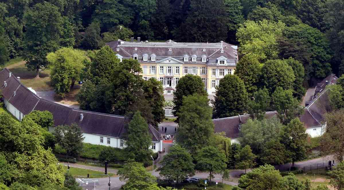 "Schloss: ""Alle Alternativen abgewogen"""