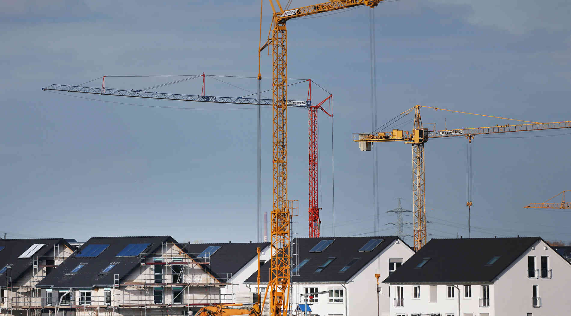 Behörden genehmigenmehr Neubauten in NRW