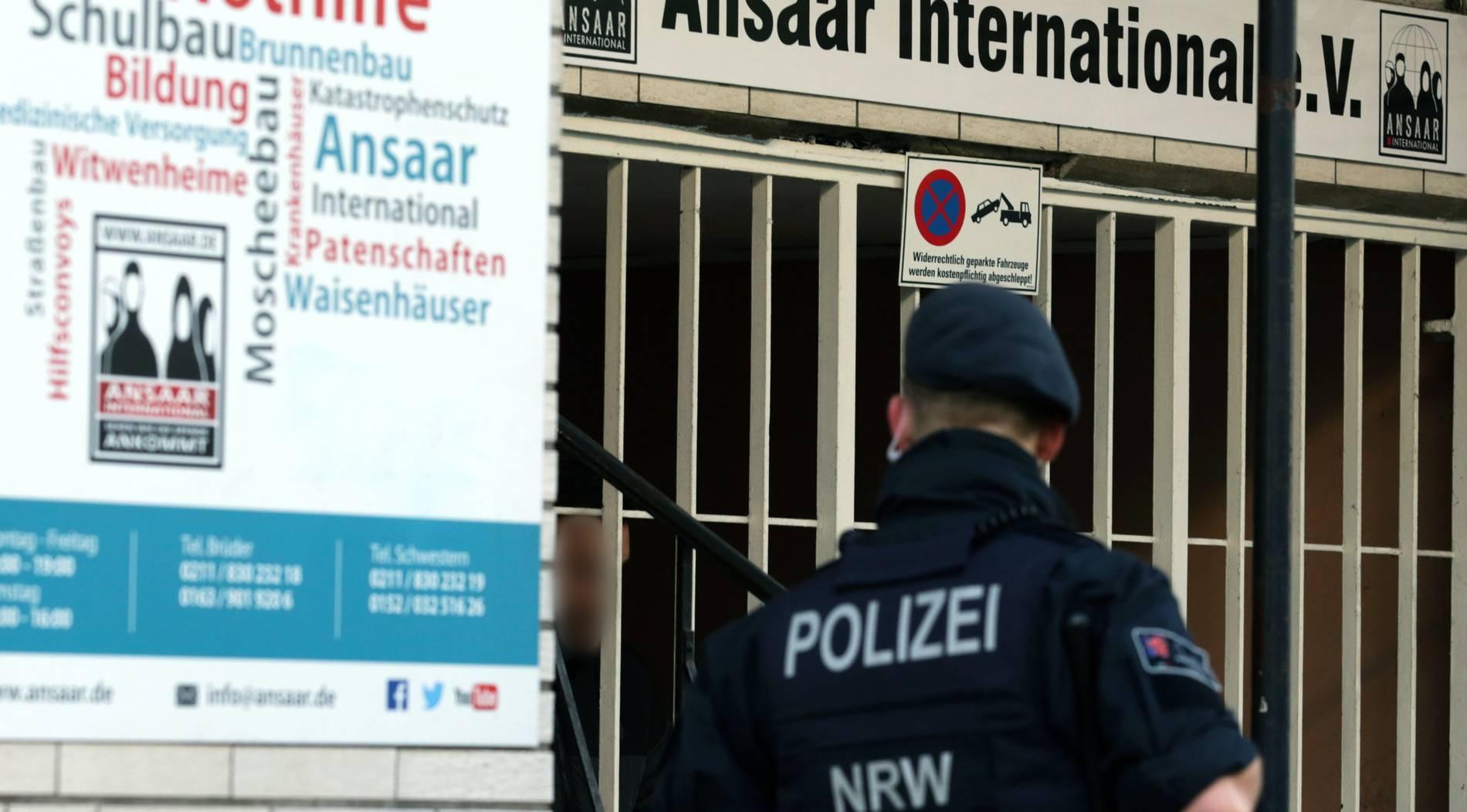 Polizei durchsucht Objekte in neun NRW-Städten
