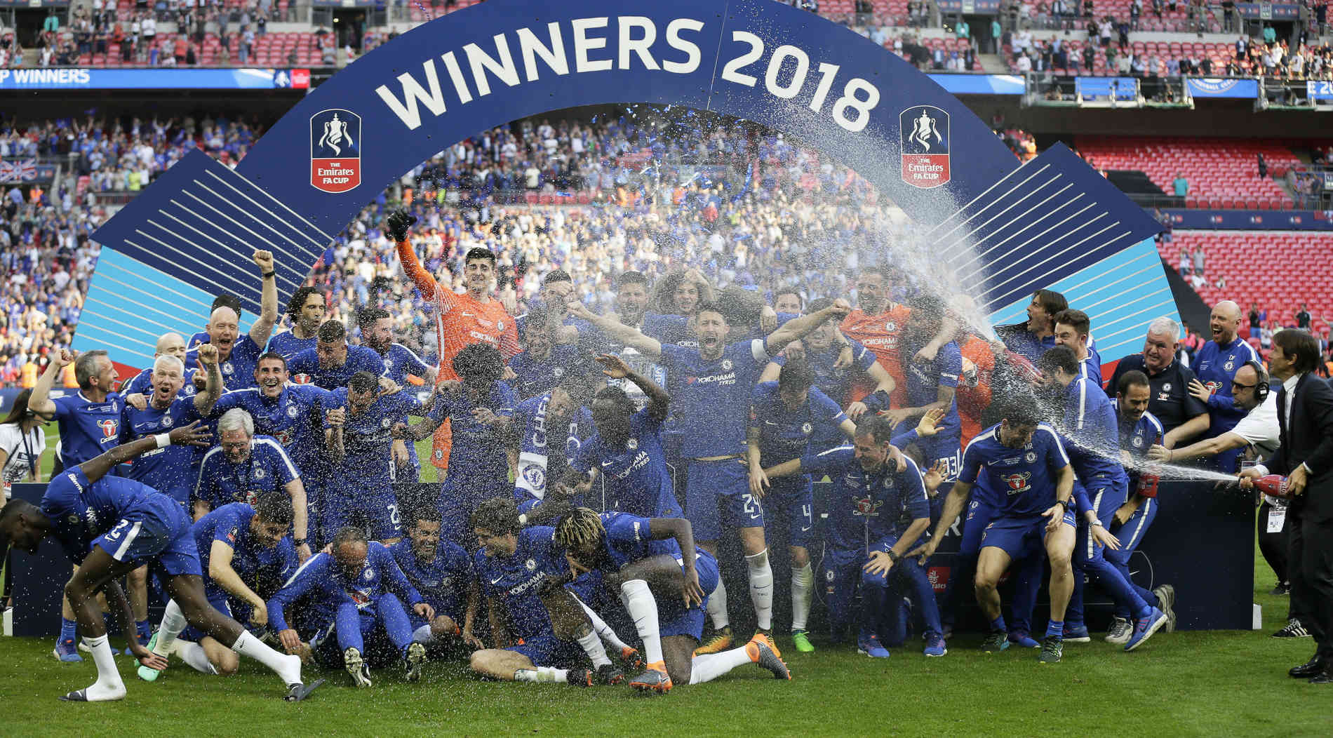 FA-Cup-Sieger bekommt nur noch alkoholfreiem Champagner