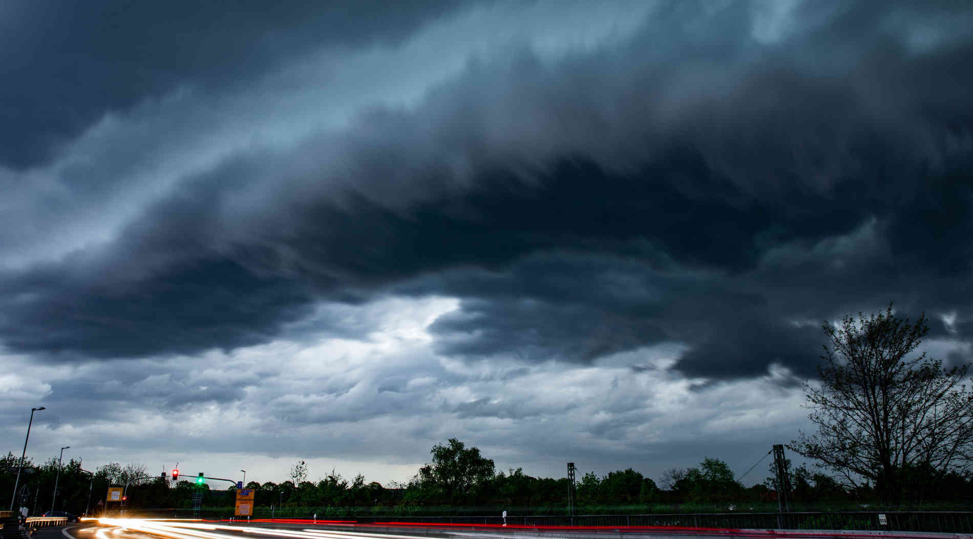 Unwetter im Rheinland verlief glimpflich - keine Verletzten