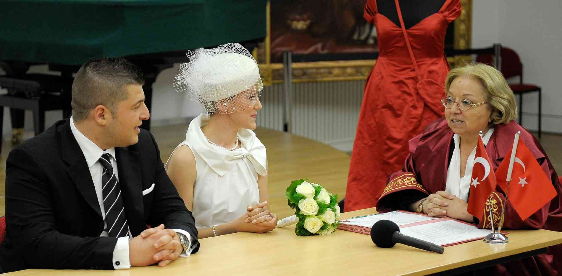 Wie Türkische Hochzeiten Ablaufen Gold Henna Und