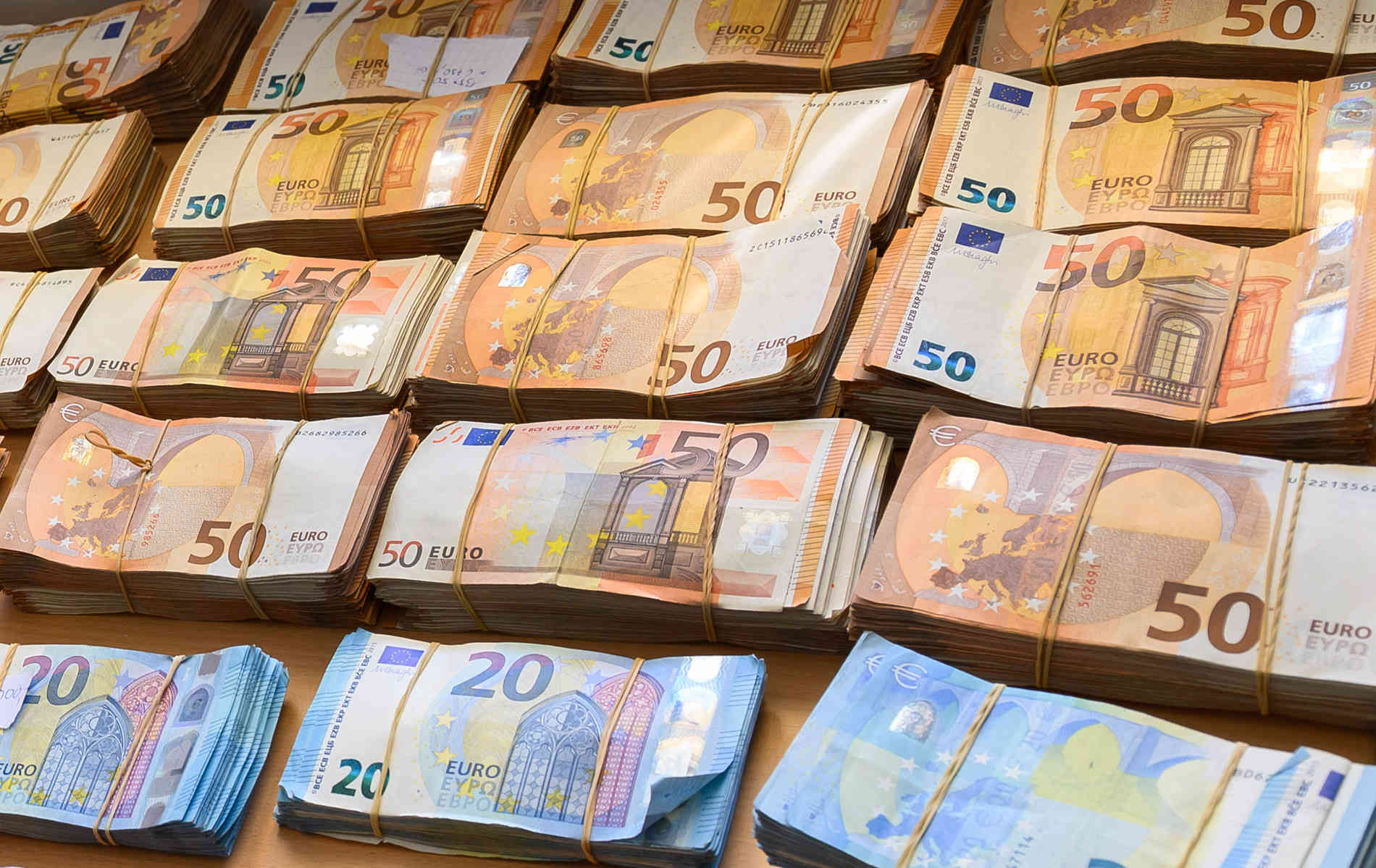 Suchergebnis auf für: Dämpfung 20 50 EUR