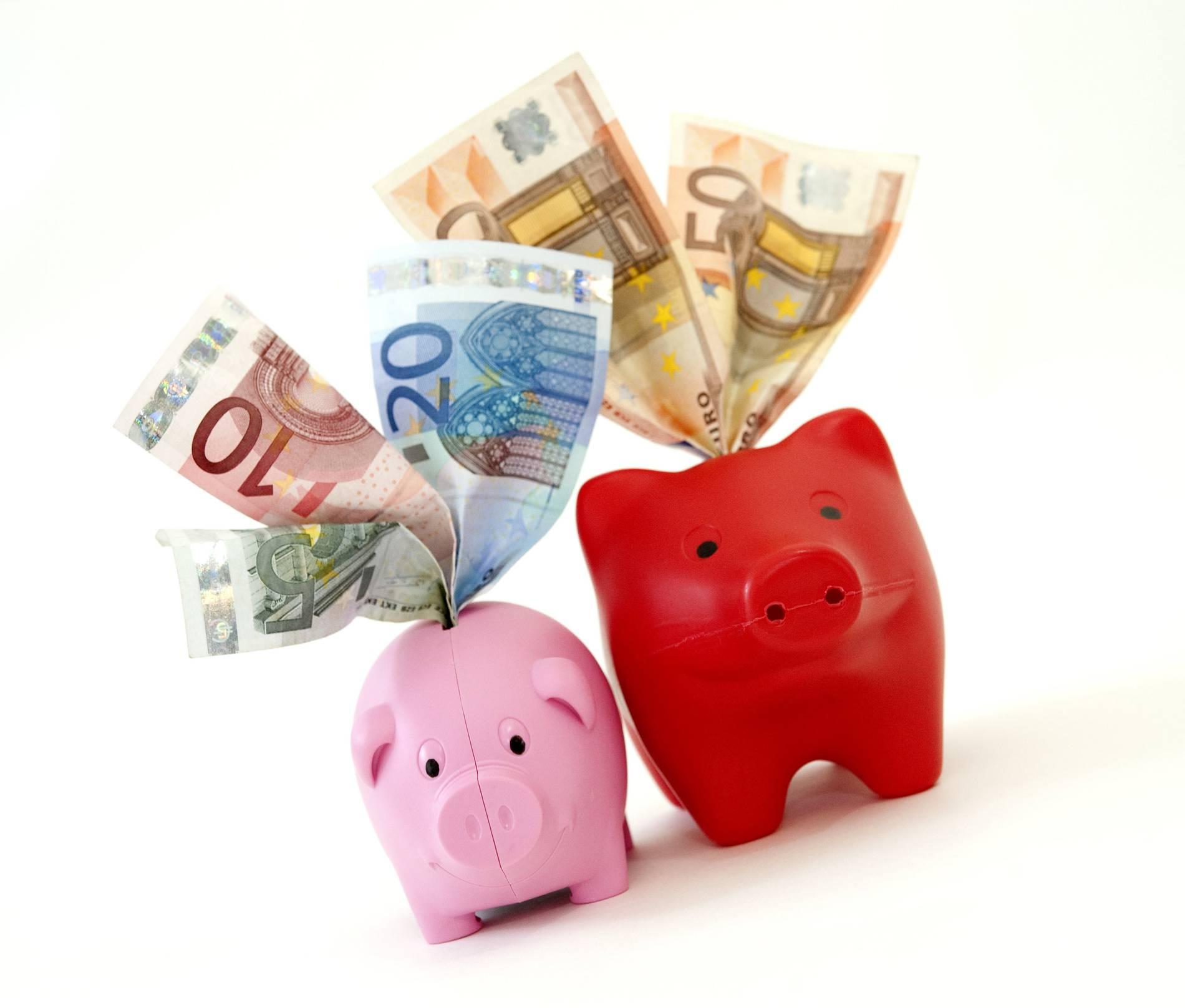Sparkasse vor Gericht: Werden die Zusatzgebühren beim Abheben gekippt?