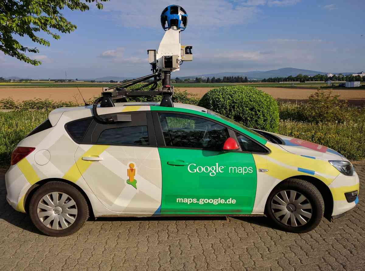 Google Autos In Neuss Unterwegs