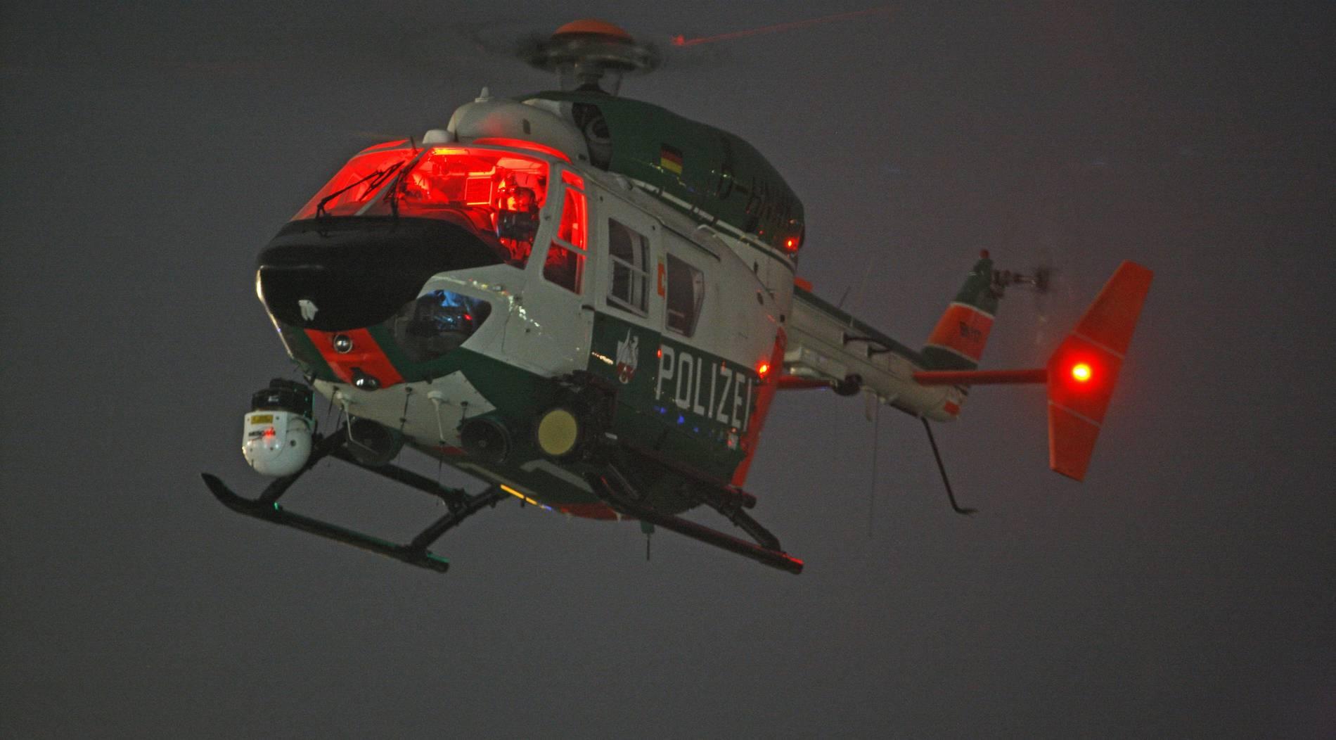 Polizei sucht 20-Jährigen mit Hubschrauber