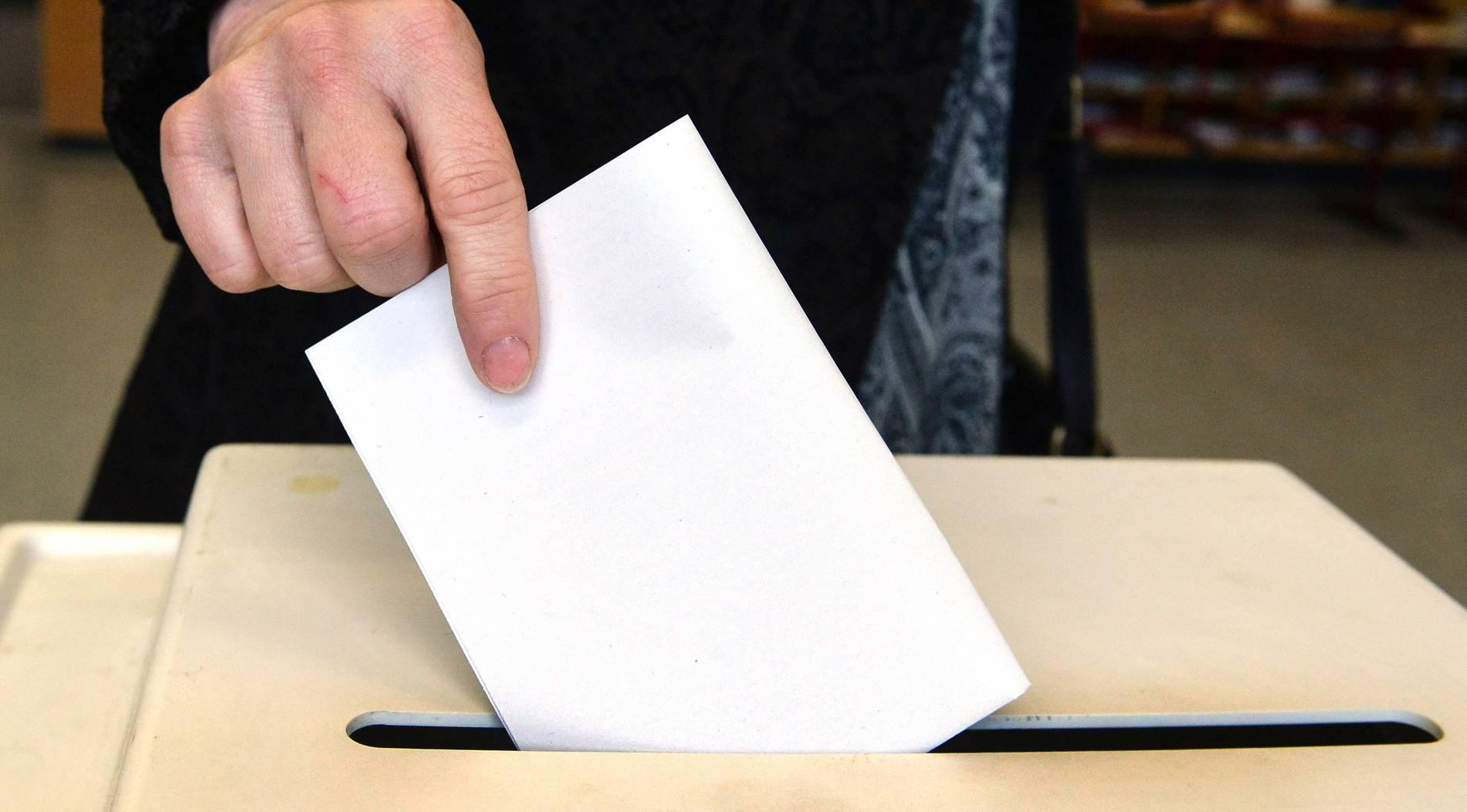Rathaus zeigt die Wahlergebnisse