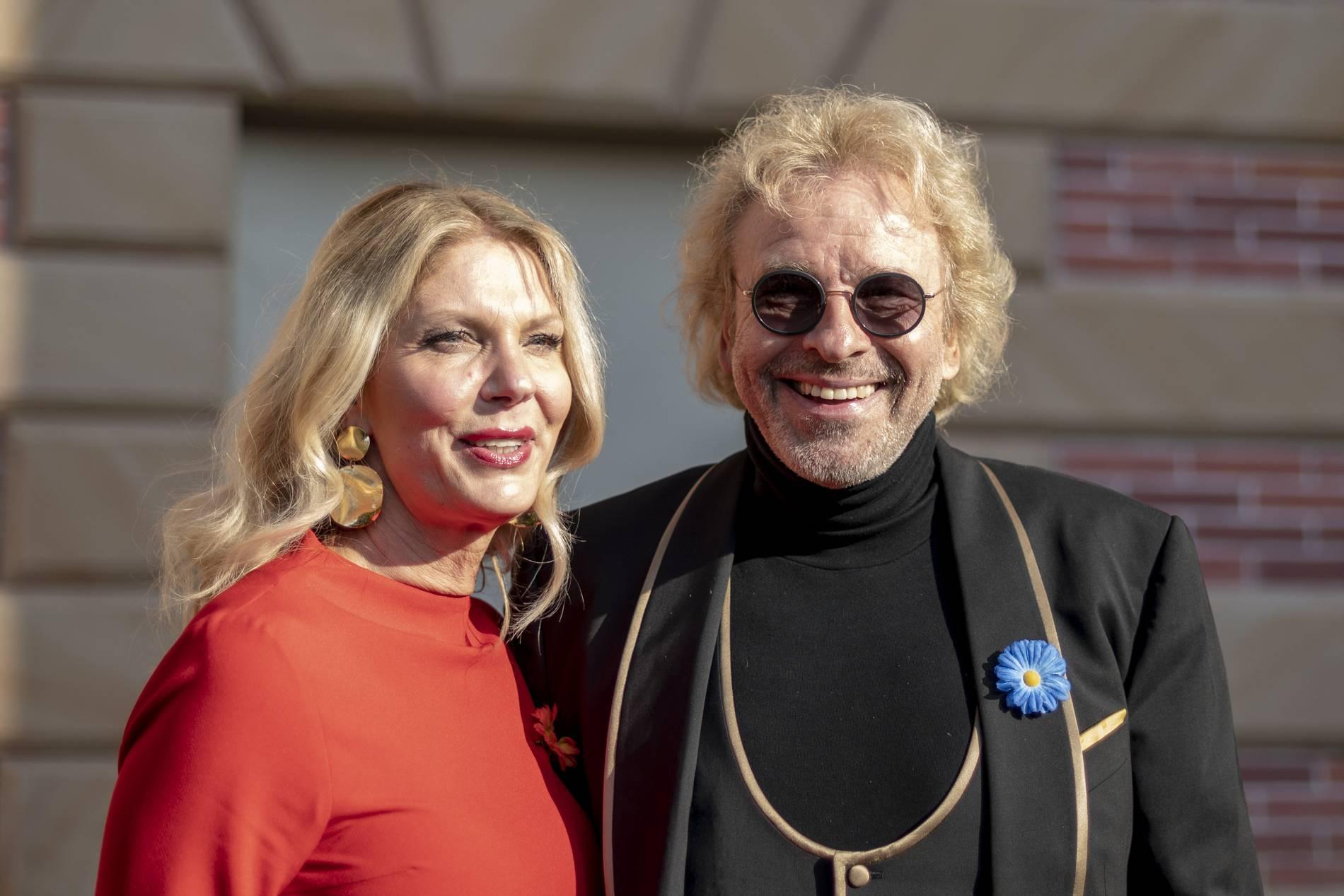 Thomas Gottschalk mit Freundin im Europa-Park - er kritisiert Influencer | Stars