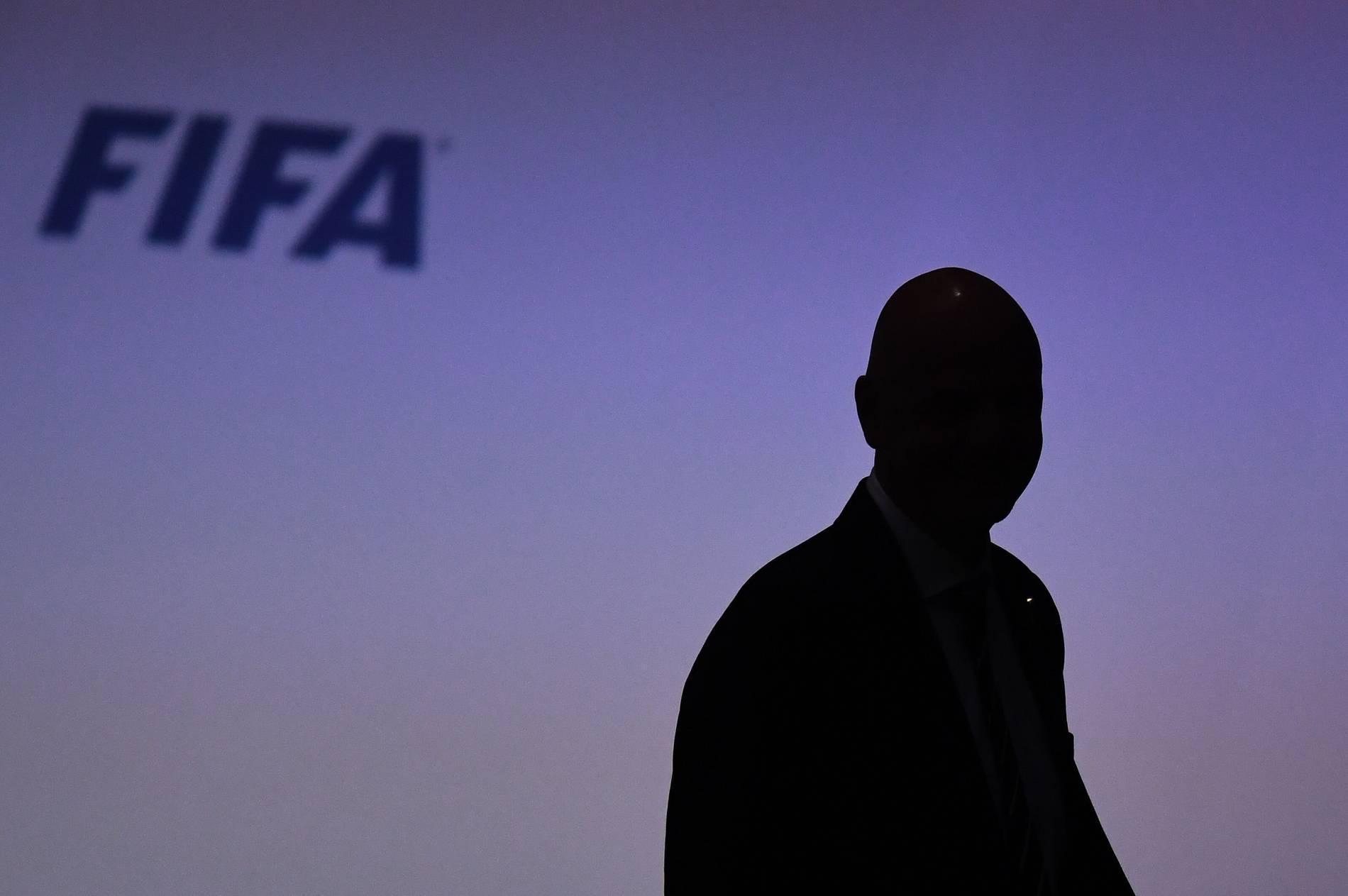 Fussball Wm 2022 Fifa Raumt Erstmals Verstosse Bei