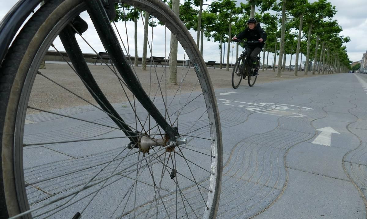 Dating-Radfahrer Interrassische Datierung von Hassverbrechen