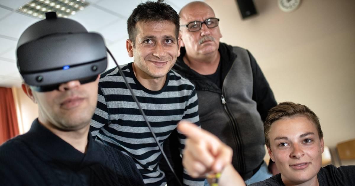 Hilden: Flüchtlinge lernen mit Virtual Reality Deutsch