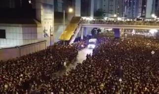 Hongkong-Video begeistert das Netz: So geht das also mit der Rettungsgasse