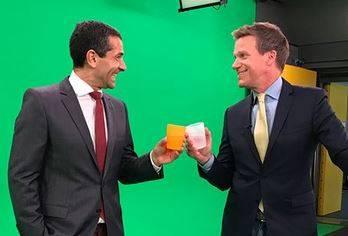 ZDF-Moderatoren Mitri Sirin und Ralph Szepanski sorgen mit Sommeroutfit für Furore in sozialen Netzwerken