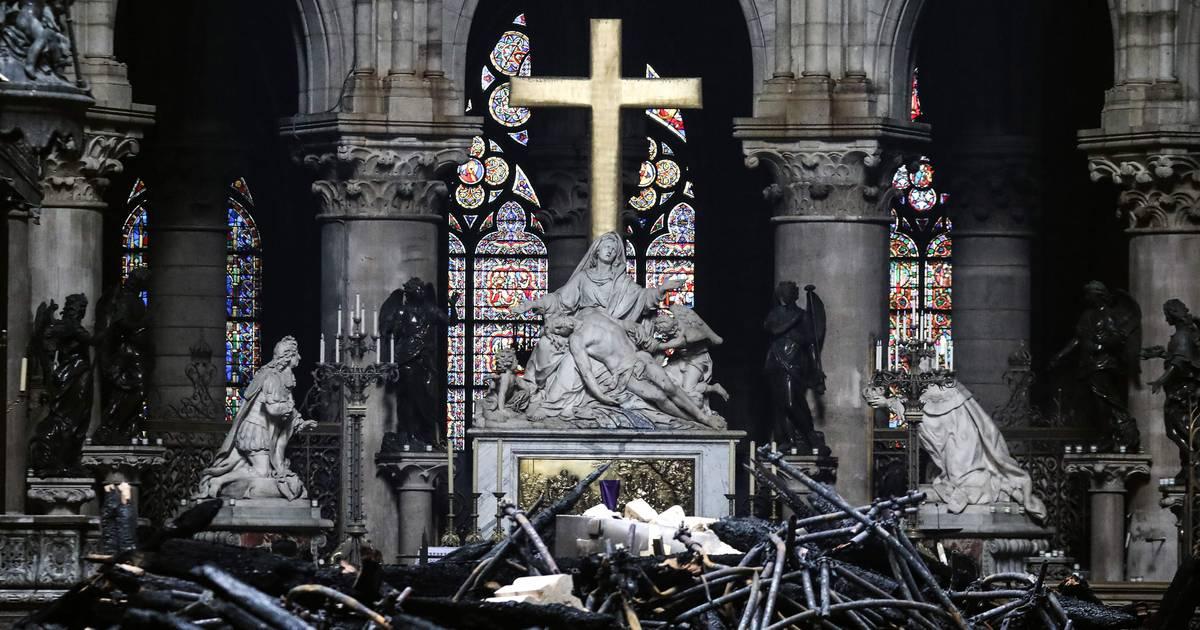 Zigarette womöglich schuld an Feuer von Notre-Dame