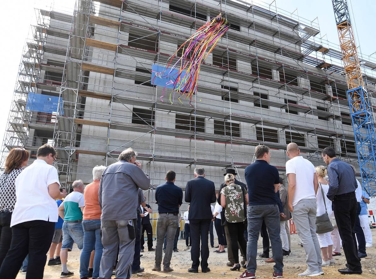 Richtfest für Erweiterungsbau am Krankenhaus Nettetal in ...