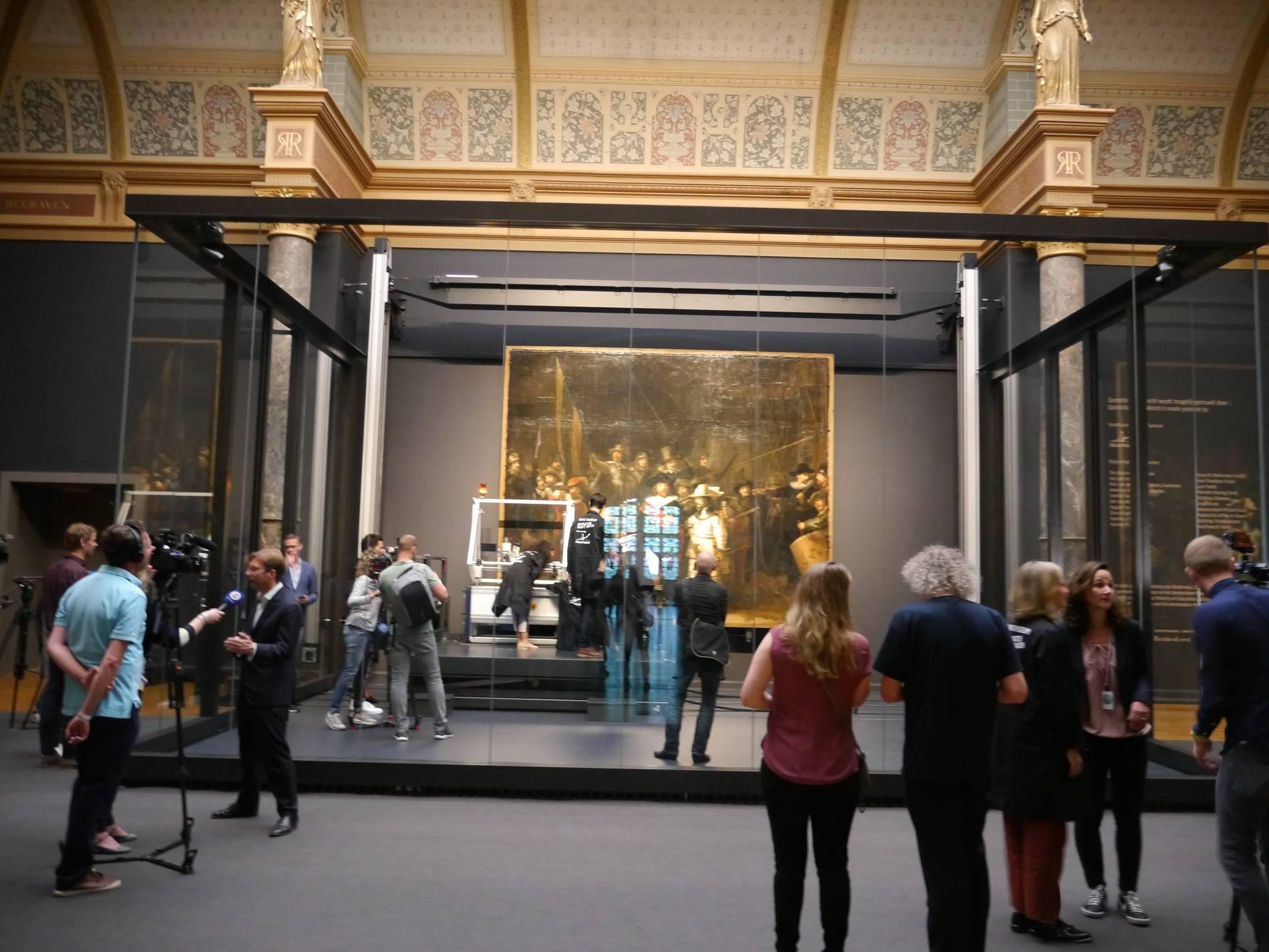 Rijksmuseum In Amsterdam Rembrandts Nachtwache Wird