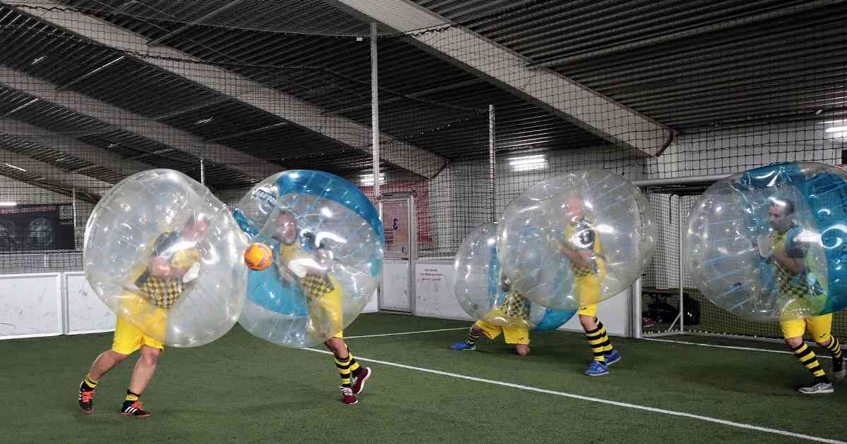 Krefeld: Spaß im Ball