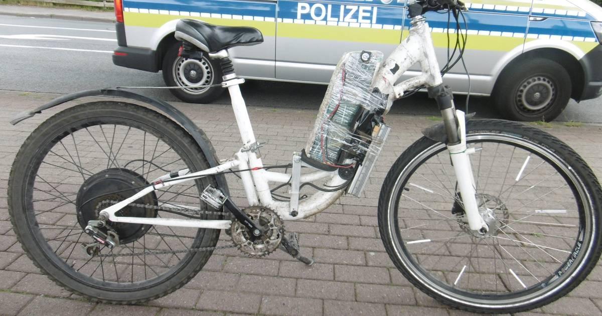 Mönchengladbach: Polizei stoppt Gladbacher auf selbstgebasteltem E-Bike
