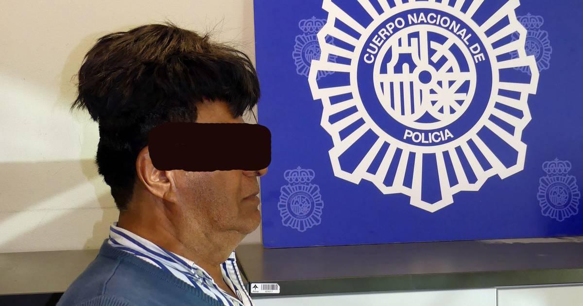 Drogenkurier schmuggelt in Spanien Kokain unter dem Toupet