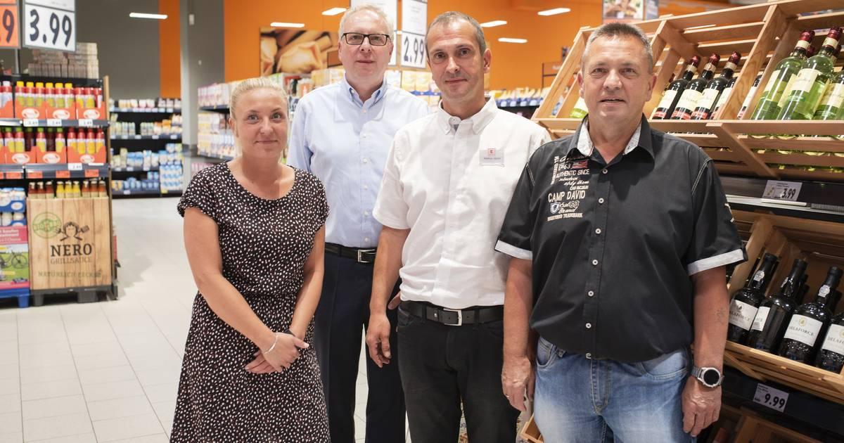 Mönchengladbach: Kaufland spendet für Kunstrasenplatz