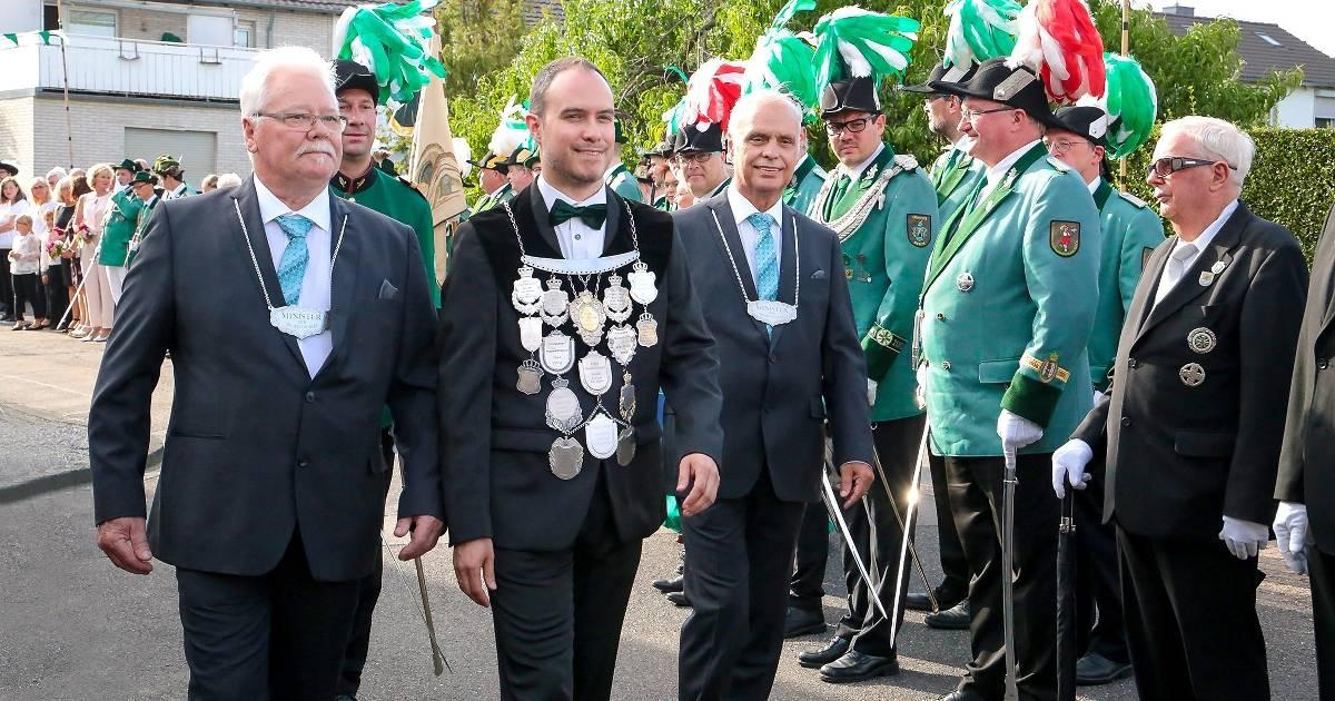 Kirmes mit Festzug und treue Schützen geehrt