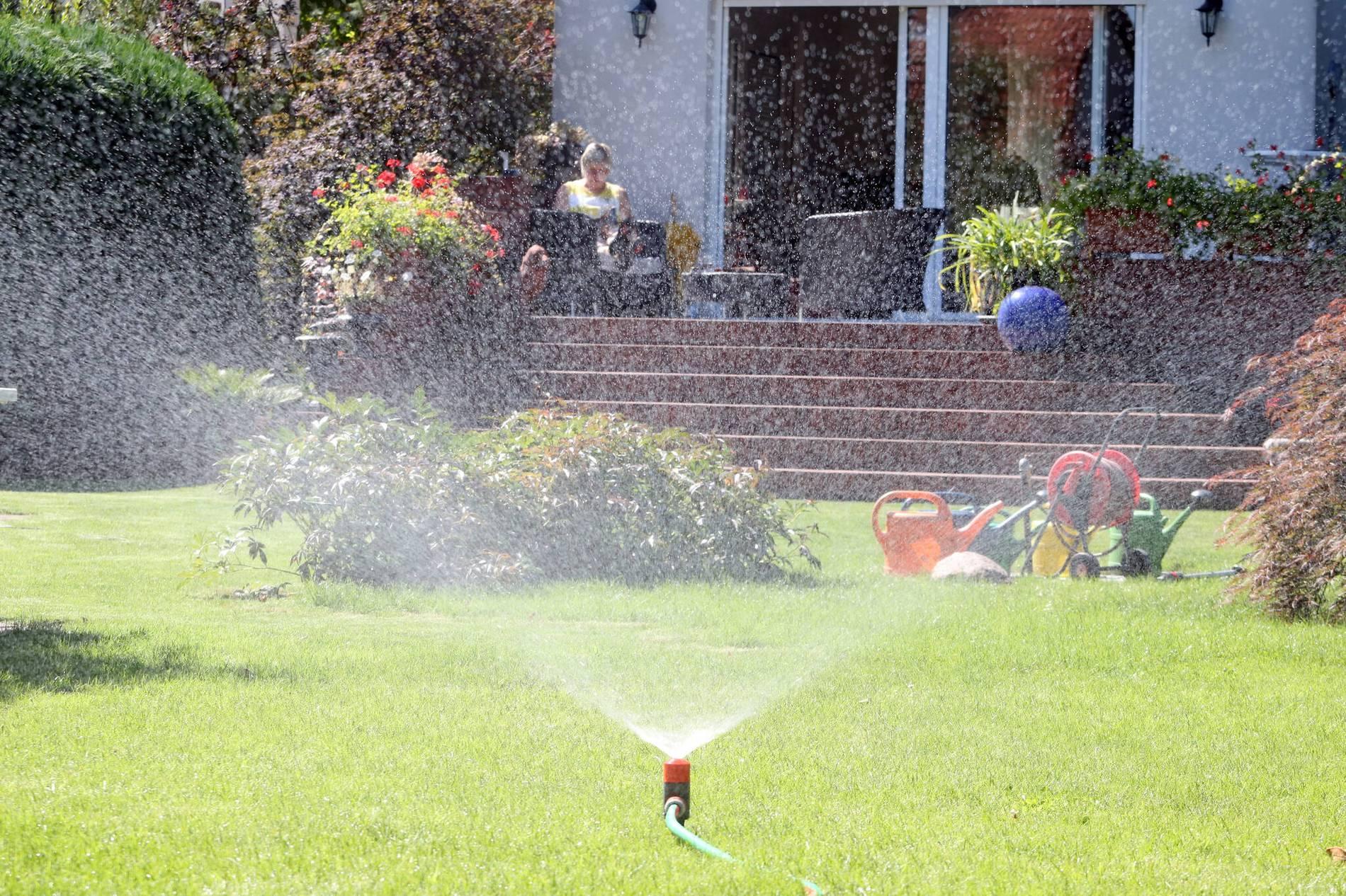 Wermelskirchen Wasseruhr Fur Gartenbewasserung Spart Abwassergebuhren