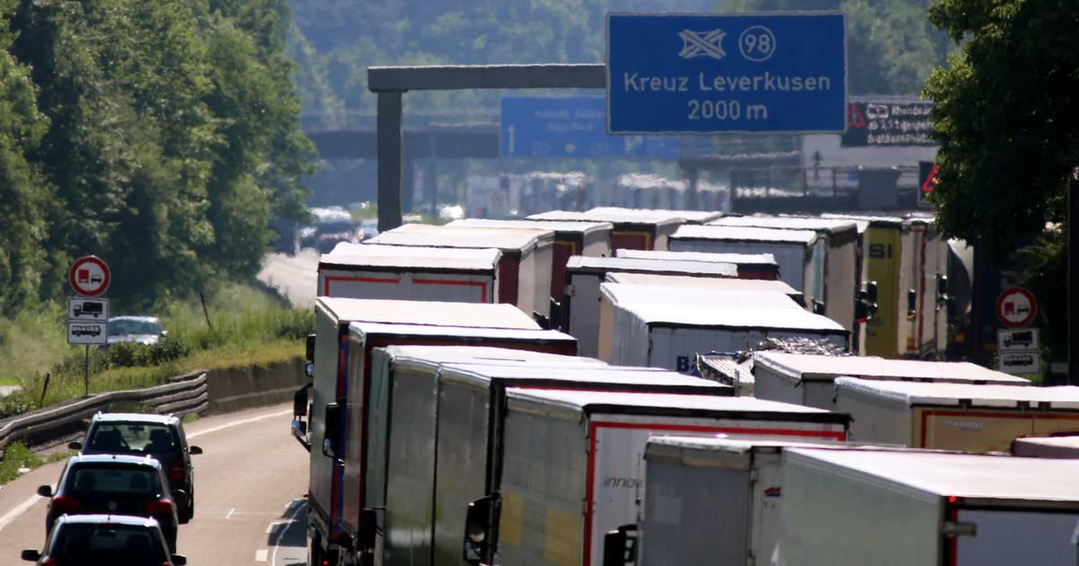 Leverkusen: A1 wird im Kreuz Leverkusen-West in beiden Richtungen gesperrt
