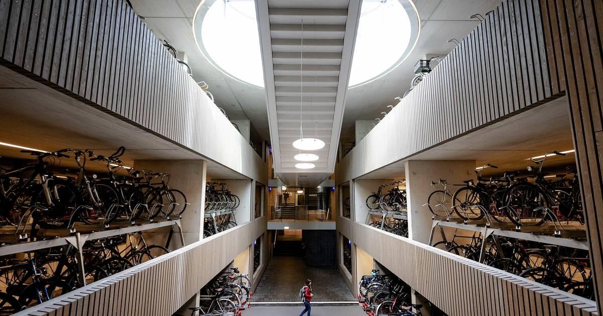 Das ist das wohl größte Fahrradparkhaus der Welt in Utrecht
