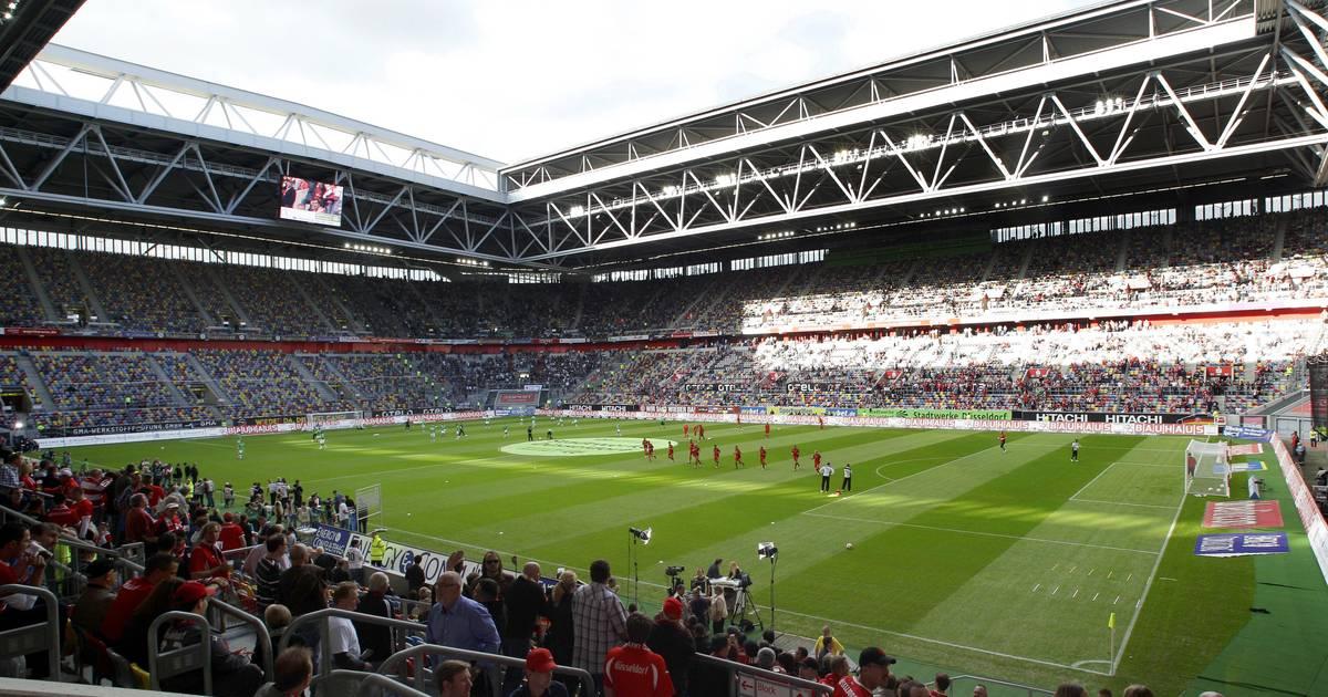 Stadion Düsseldorf: Mann spürt Stoß im Rücken und stürzt - Tatverdächtiger ermittelt