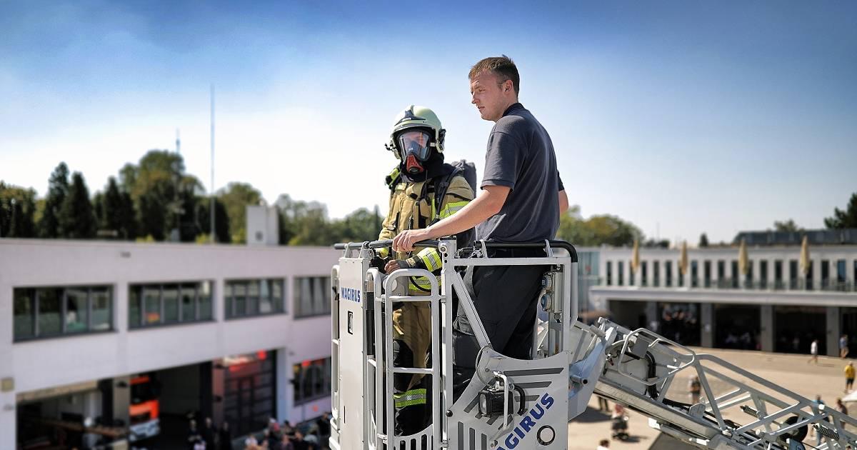 Hilden: Feuerwehr zeigt, was sie drauf hat