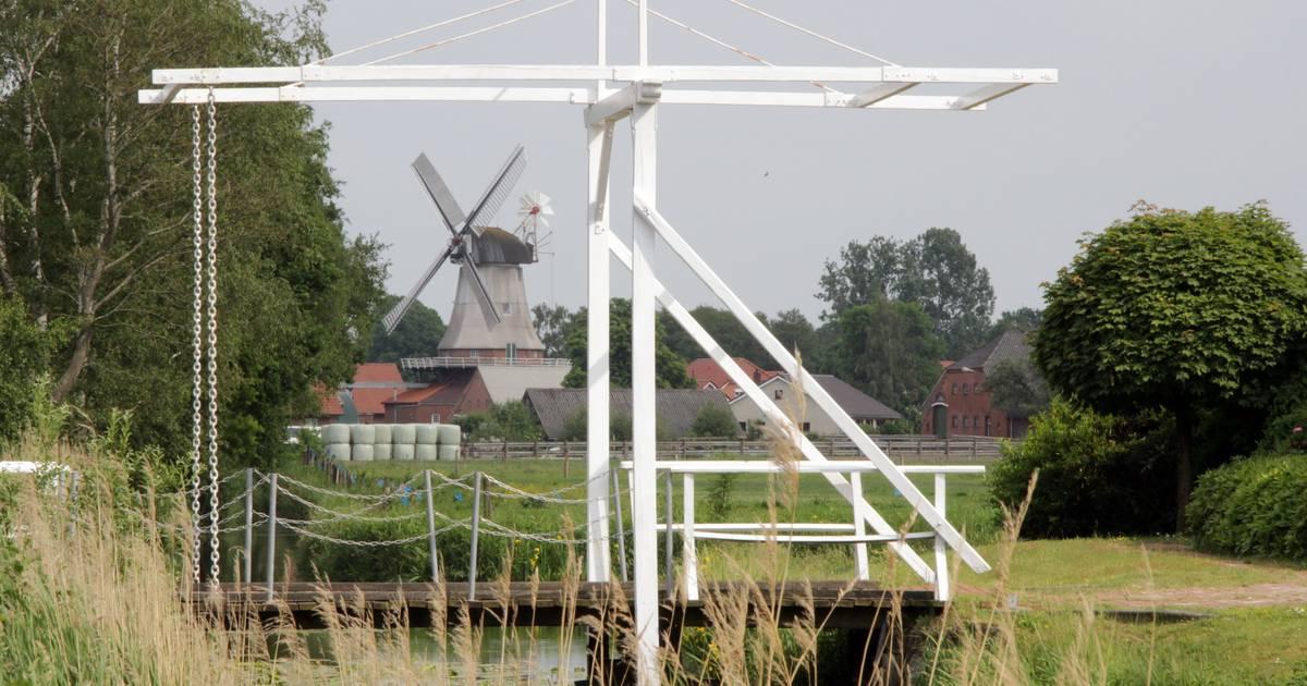 Reise durch Ostfriesland: Fehnroute - der Weg der weißen Klappbrücken