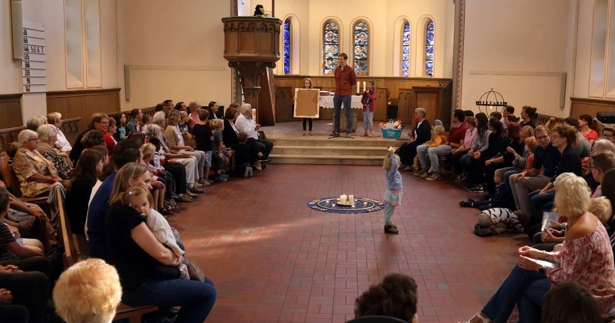 Kirchengemeinde Opladen feiert mit Familien
