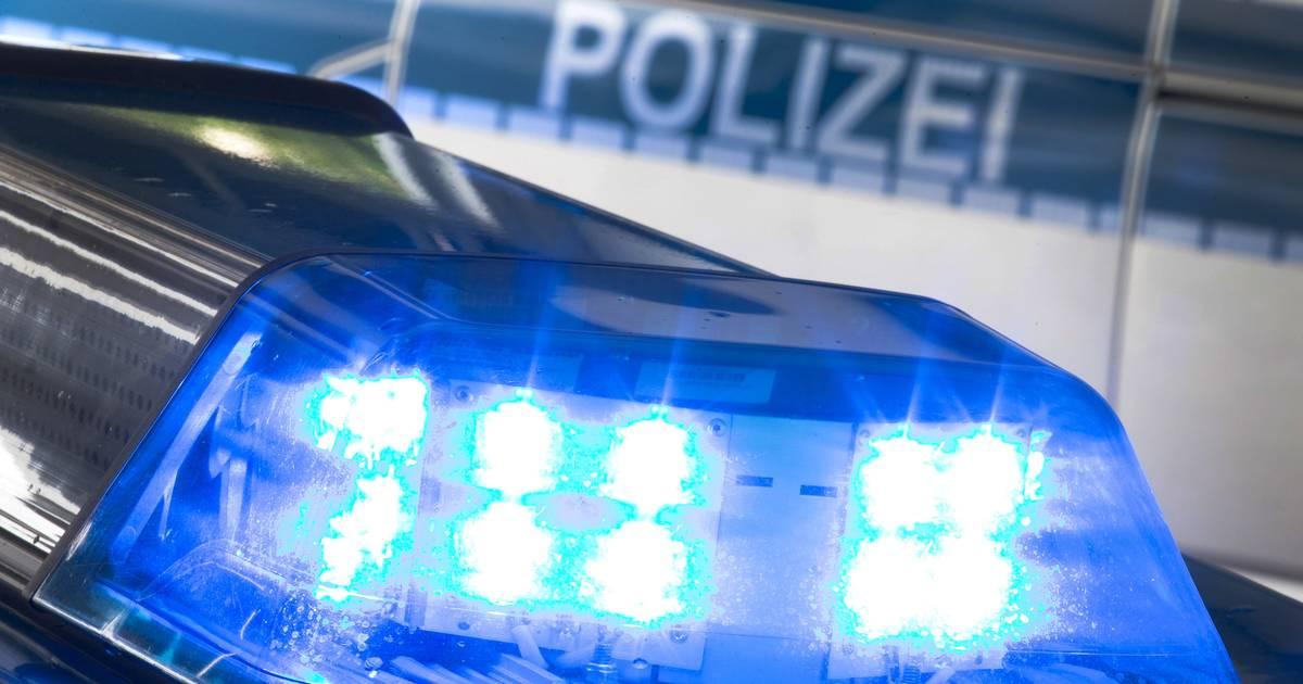 Düsseldorf: Betrunkener Autofahrer prallt gegen Autos