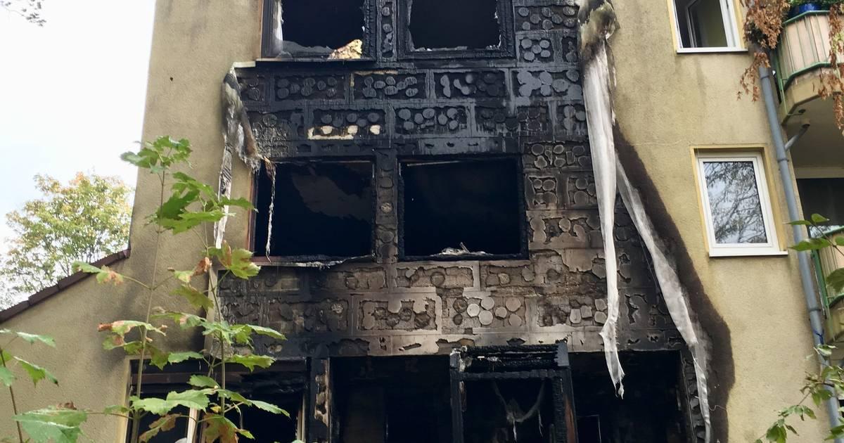 Brand in Leverkusen: Feuer zerstört Gebäude - keine Verletzten