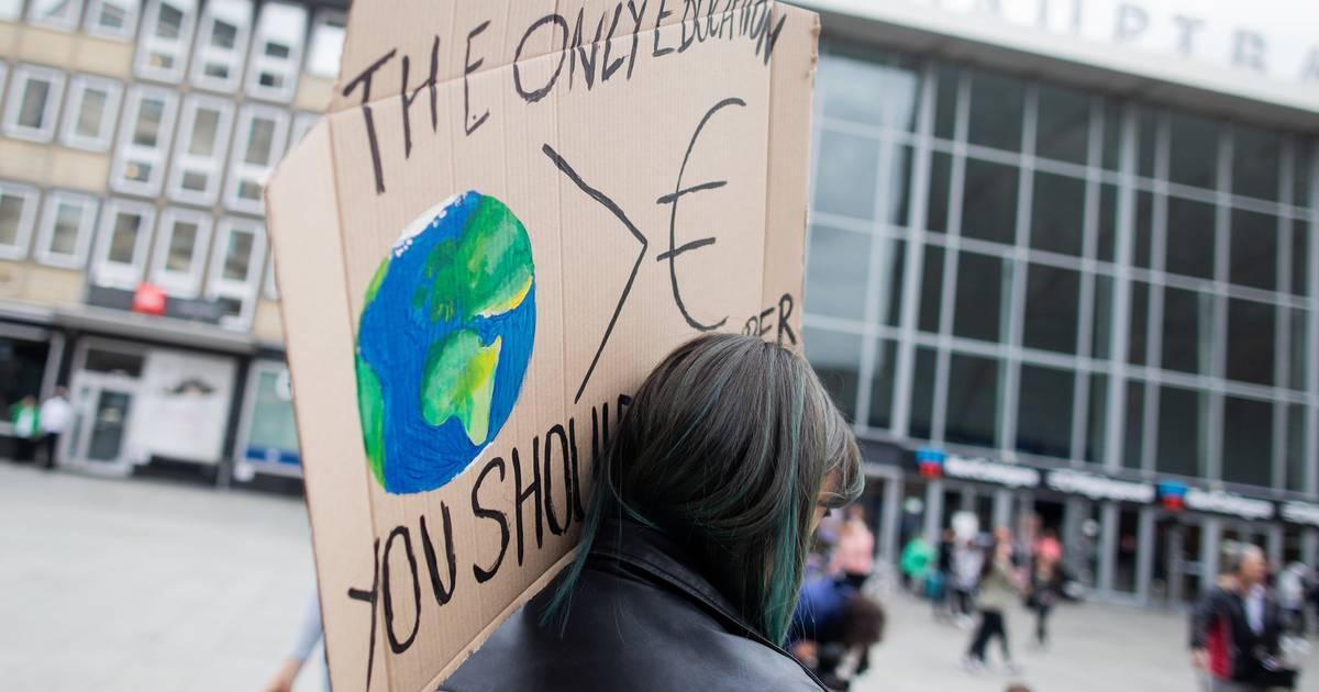 Kölner Polizei verbietet Klimademo auf Autobahn