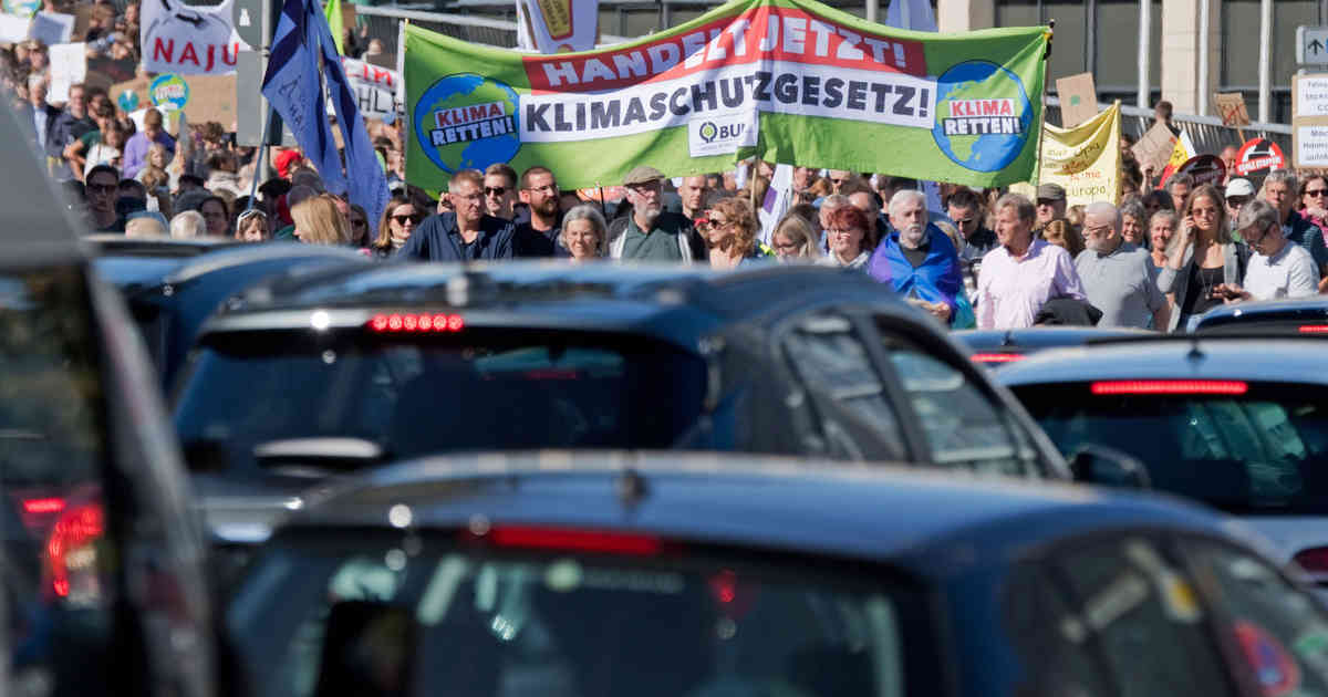 """Parteien und """"Fridays for Future"""" kritisieren Klimapaket"""