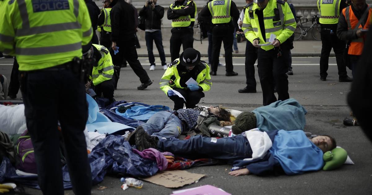 Extinction Rebellion: Polizei in London nimmt 500 Aktivisten fest