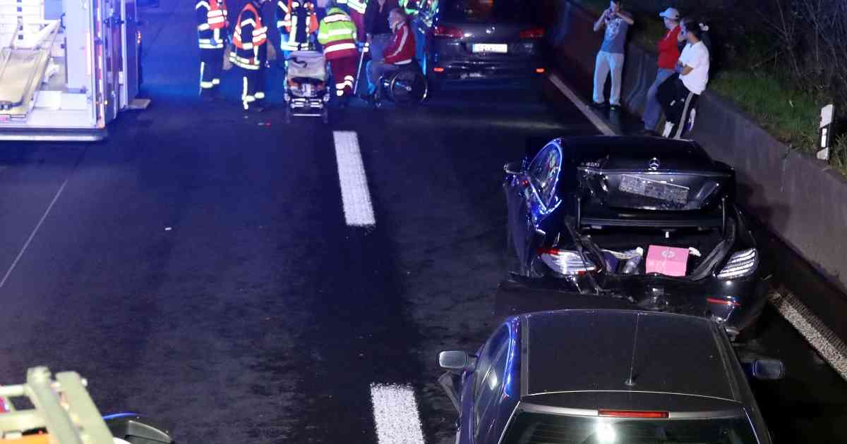 Sieben Verletzte bei Unfall auf der A3 Höhe Kreuz Leverkusen