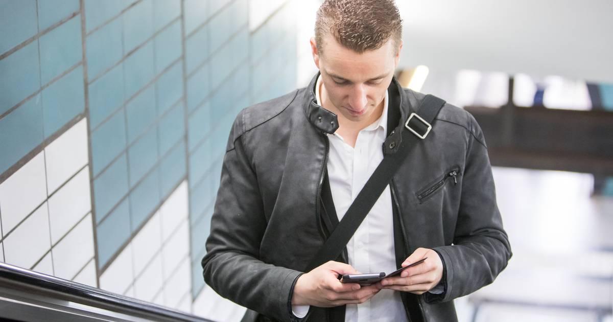 Ständiges Nach-unten-gucken: Wie vermeide ich einen Smartphone-Nacken?