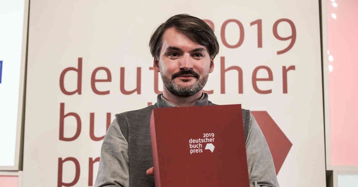 Deutscher Buchpreis 2019 geht an Mann aus Jugoslawien: Schriftsteller Stanisic aus Jugoslawien nutzt Dankesrede für Kritik an Nobelpreisträger Handke