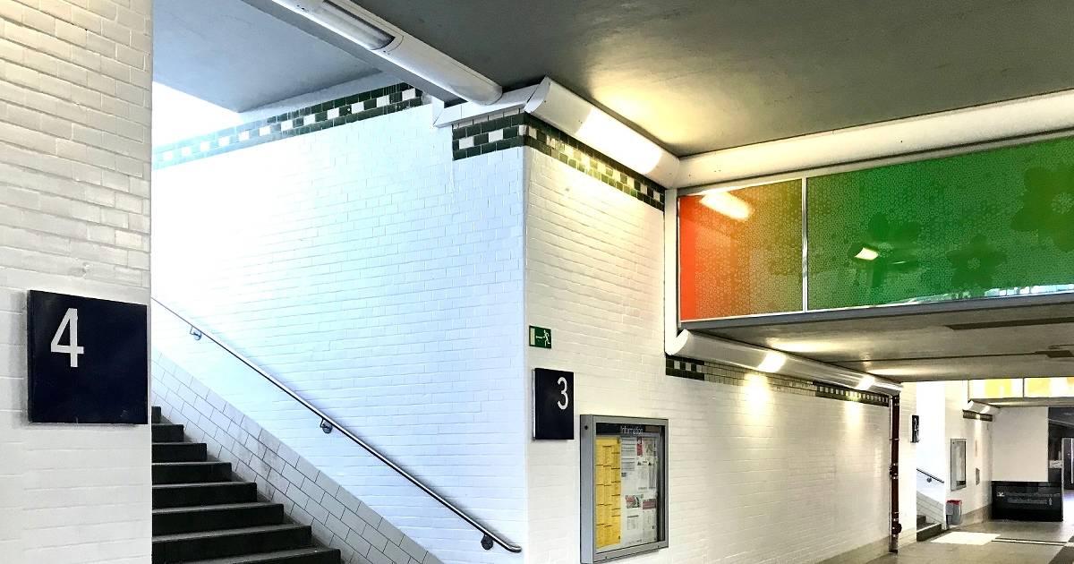 Deutsche Bahn entfernt alle Graffiti im Fußgängertunnel des Bahnhofs Viersen