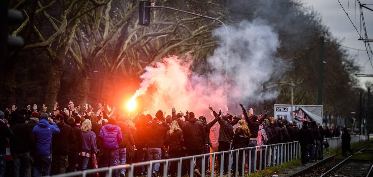 Fortuna Dusseldorf Gegen 1 Fc Koln Polizei Bereitet Sich