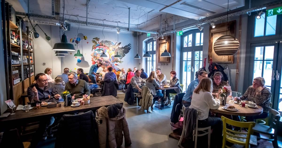 "Düsseldorf: Schnitzel-Lokal ""Heimwerk"" in der Altstadt eröffnet"