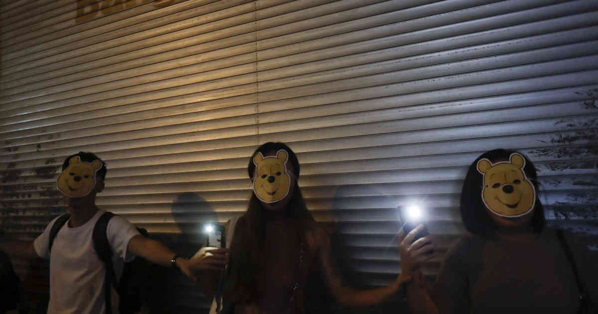 Hongkonger Demonstranten greifen zu Alternative nach Vermummungsverbot