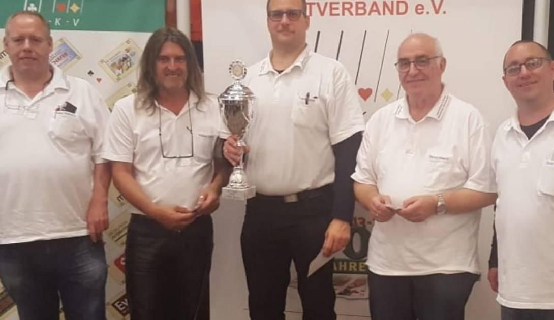 """Radevormwald: Skatclub """"Herz Dame"""" wird Dritter bei Deutscher Meisterschaft"""